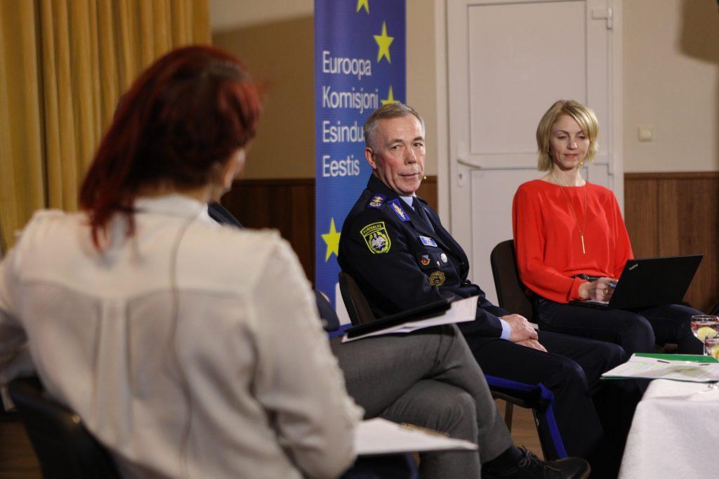 Kas Euroopa Liidu piir peab - pildil Aimar Köss ja Ülle Väina - foto Reigo Teervalt