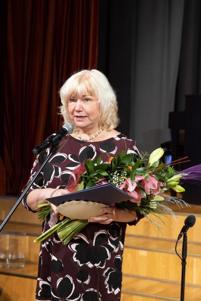 Võrumaa kultuuripärl 2019 helilooja ja muusikapedagoog Piret Rips-Laul